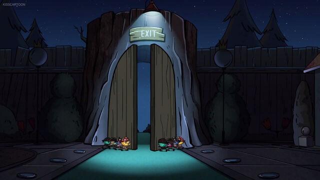 File:Lilliputtians close the doors.jpg