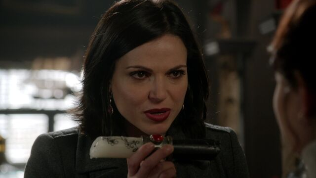 File:Once Upon a Time - 3x18 - Bleeding Through - Regina and the Enchanted Candle.jpg