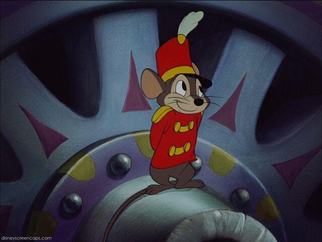 File:Dumbo-disneyscreencaps com-4338.jpg