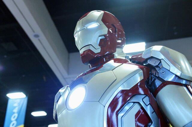 File:Iron Man Close up.jpg