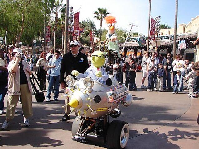 File:Muppets Mobile Lab at Disney's California Adventure.JPG