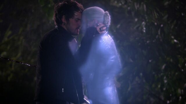 File:Once Upon a Time - 5x11 - Swan Song - Dark Swan Transformation.jpg