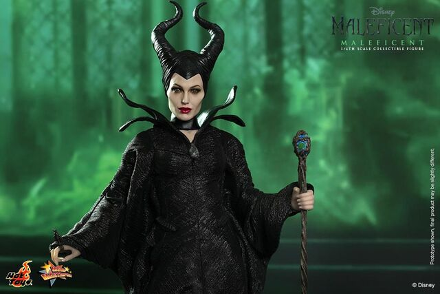 File:Hot-toys-maleficent-wide-with-staff.jpg