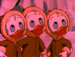 Huey dewey and louie looking up in the sky