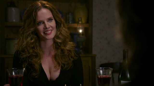 File:Once Upon a Time - 3x18 - Bleeding Through - Zelena at Dinner.jpg