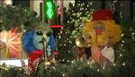250px-ChristmasInRockefellerCenter2009-Zoot&Lips