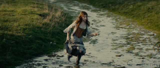 File:Into-the-woods-movie-screenshot-anna-kendrick-cinderella-3.jpg