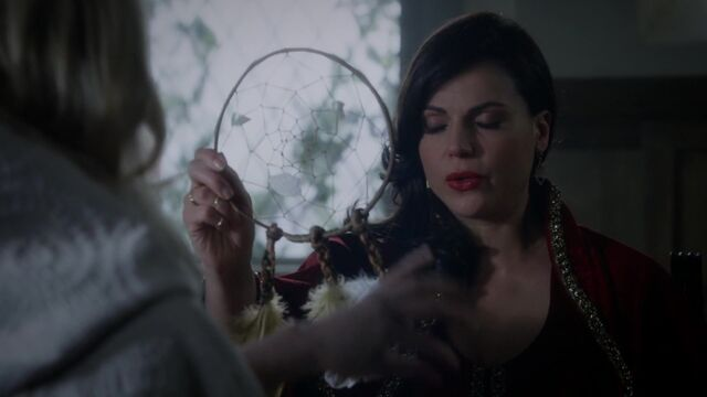 File:Once Upon a Time - 5x05 - Dreamcatcher - Regina and Dreamcatcher.jpg