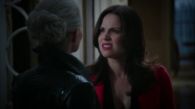 File:Once Upon a Time - 5x05 - Dreamcatcher - Angry Regina.jpg