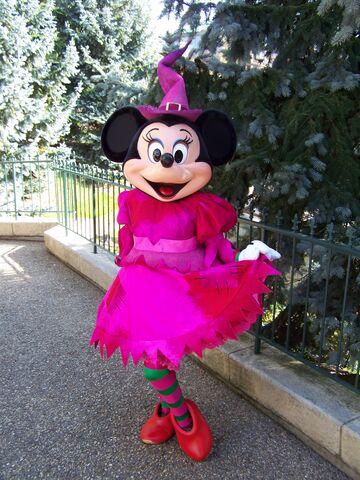 File:Dlp-halloween-minnie-1.jpg