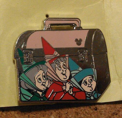 File:Flora fauna merryweather lunchbox pin.JPG