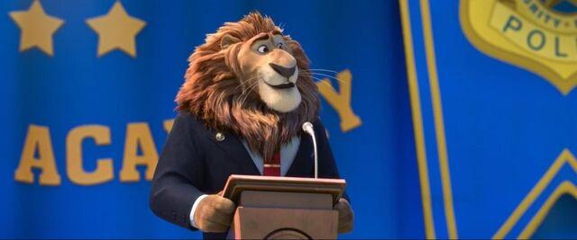 File:Mayor Lionheart presenting Judy Zootpia.jpg