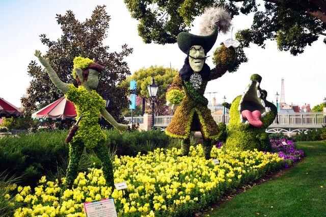 File:Peter Pan Topiary.jpg