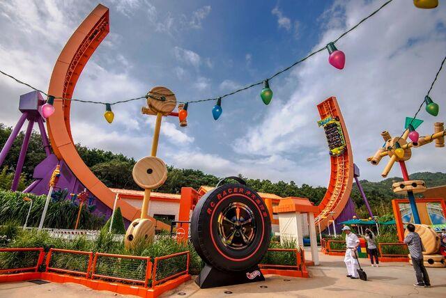 File:RC Racer of Hong kong Disneyland.jpg