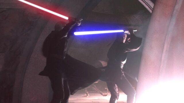 File:Anakin and dooku Duel in the Geonosian Hangar.jpg