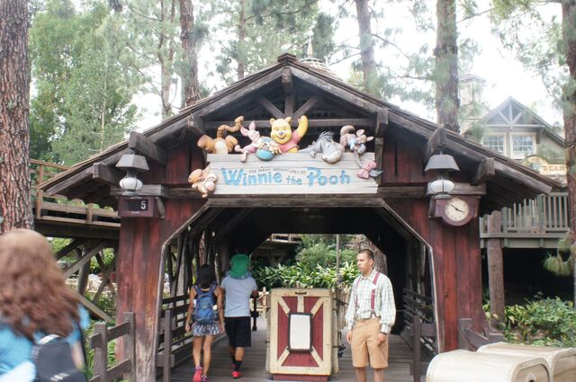 File:Disneyland-WinniePooh-sign.jpg