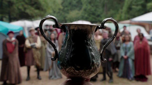File:Once Upon a Time - 5x03 - Siege Perilous - Fake Chalice.jpg