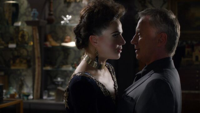 File:Once Upon a Time - 6x06 - Dark Waters - Evil Queen and Gold.jpg