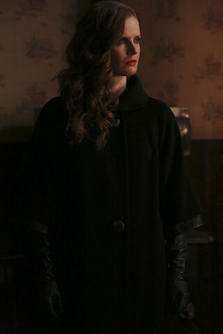 File:Once Upon a Time - 4x19 - Sisters - Released Images - Zelena 4.jpg
