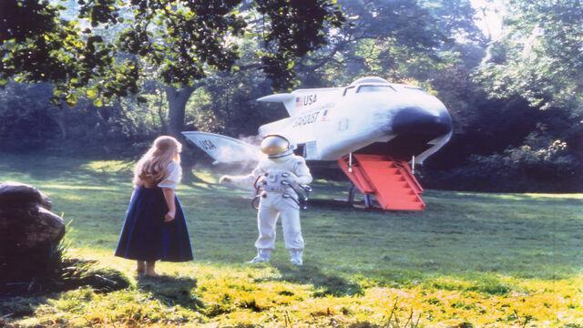 File:Extrait unidentified-flying-oddball 1.jpg