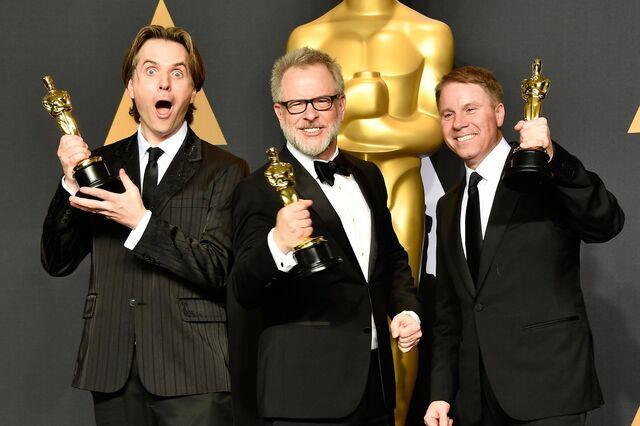File:Howard Moore Spencer at Oscars17.jpg