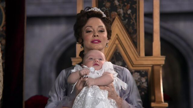 File:Once Upon a Time - 2x16 - The Miller's Daughter - Cora and Baby Regina.jpg