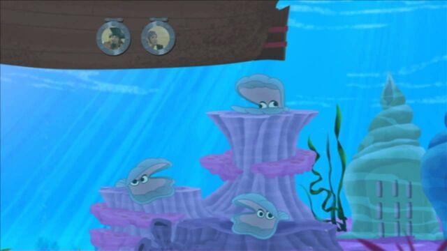 File:Sharky& Bones-Bubbly Blue.jpg