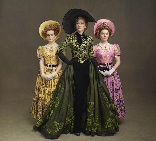 File:Vogue-Stepmother-Cate-Blanchett.jpg