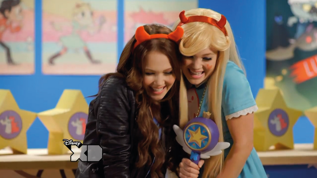 File:Olivia-and-Kelli---I-love-puppies.png