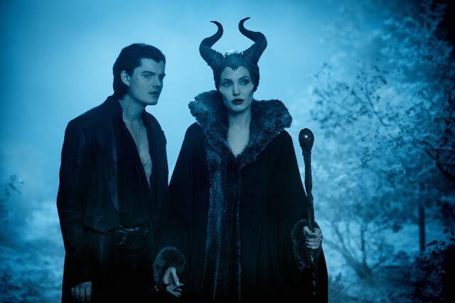 File:Maleficent-(2014)-167.jpg