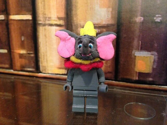 File:Dumbo.jpeg