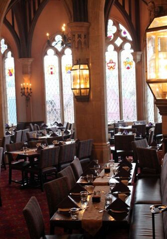 File:Dining-room-view-and-seating.jpg
