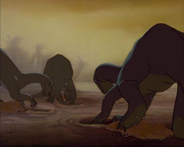 File:Fantasia plateosaurus.jpg