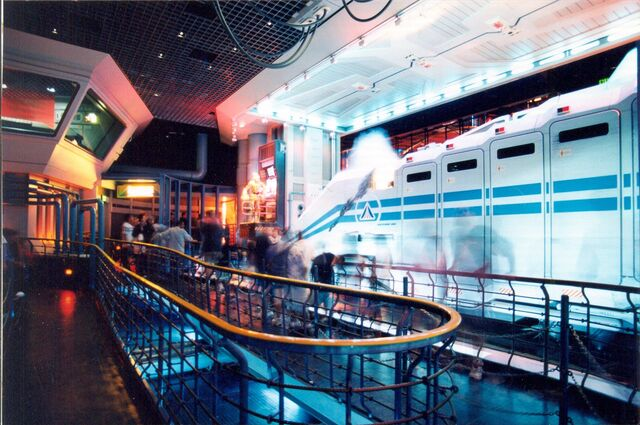 File:Star Tours Queue Line facing Starspeeder.jpg