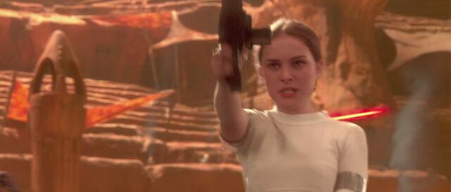 File:Starwars2-movie-screencaps.com-13185.jpg