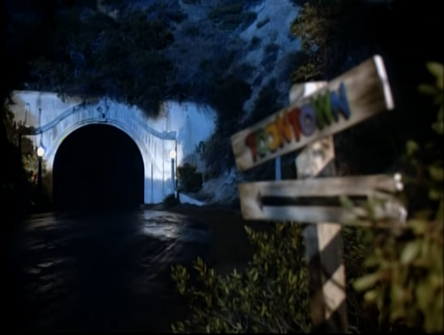 File:Who Framed Roger Rabbit - Tunnel to Toontown 1.png