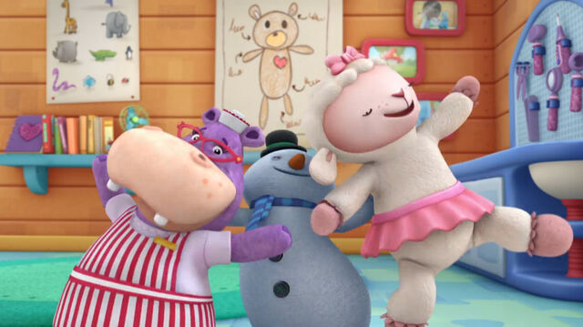 File:Hallie, chilly and lambie.jpg