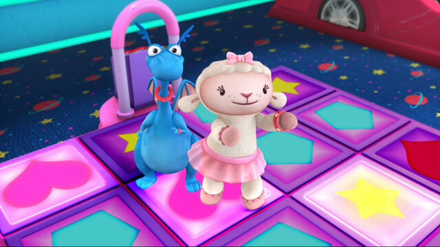 File:Lambie and stuffy in a dancing game.jpg
