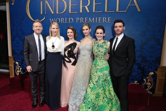 File:Cinderella-redcarpet-cast2.JPG