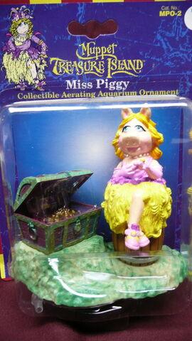 File:Muppet treasure island aquarium figure 1.jpg