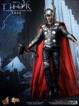 Thor - hot toys figure