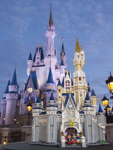 File:Disney Castle Lego Playset 01.jpg