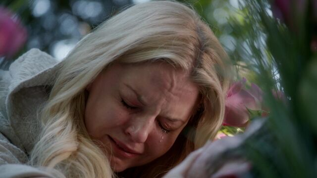 File:Once Upon a Time - 5x08 - Birth - Emma Cries.jpg