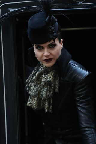 File:Once Upon a Time - 6x14 - Page 23 - Photography - Evil Queen 3.jpg