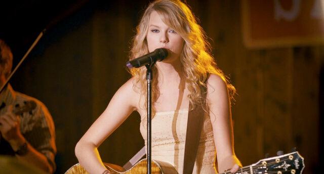 File:-Crazier-taylor-swift-13098438-1920-1032.jpg