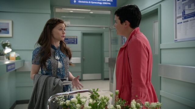 File:Once Upon a Time - 6x06 - Dark Waters - Belle and Snow.jpg
