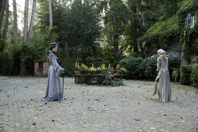 File:Once Upon a Time - 6x03 - The Other Shoe - Photography - Cinderella and Lady Tremaine.jpg