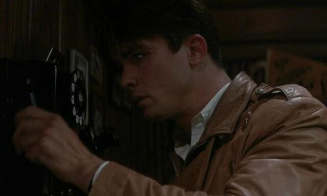 File:Cliff Secord on the Phone.jpg