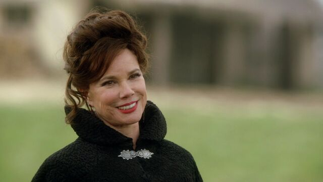 File:Once Upon a Time - 1x18 - The Stable Boy - Cora.jpg