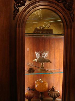 File:Cinderella castle slipper crown pumpkin-resized-600.jpg
